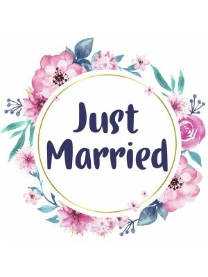 'Just Married' Flower Wreath Wedding Word Board Photo Booth Prop