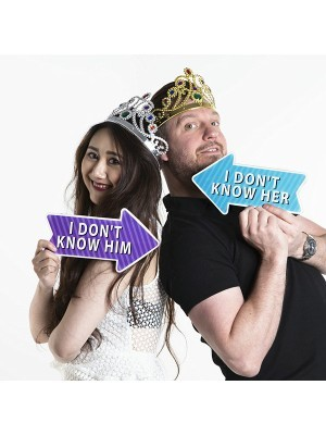 'I Don't Know Him' Word Board Photo Booth Prop