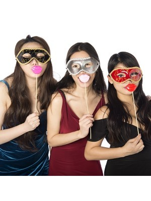 Set of 4 Funny and Humorous Beestung Full Lips